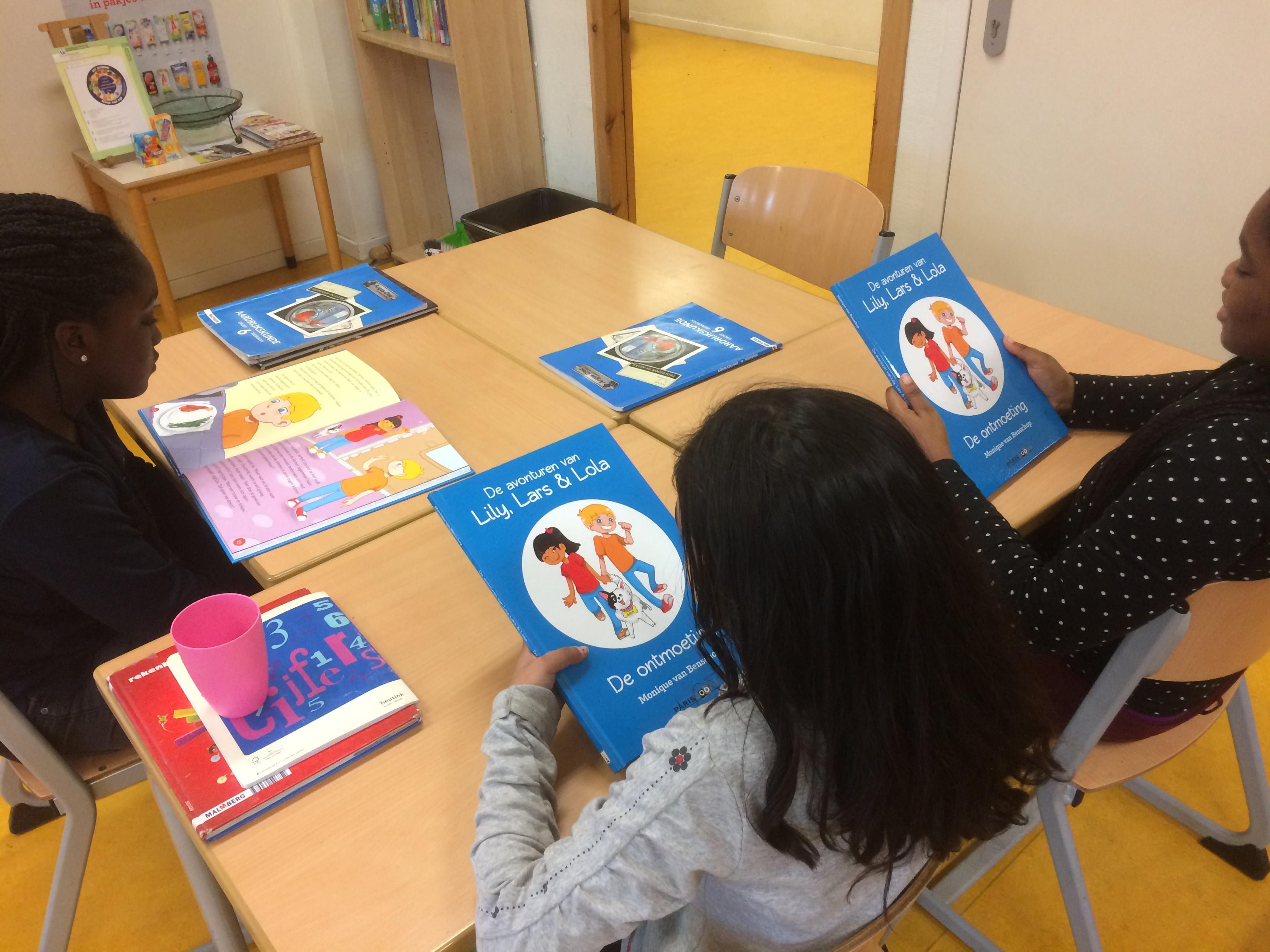Basisschool de Klaverblad blij met boeken